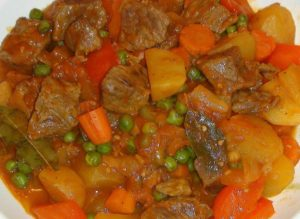 Beef afritada recipe savvy nana beef afritada is a variation of the popular chicken afritada which is a basic filipino tomato based chicken stew instead of chicken you use beef forumfinder Gallery