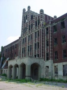 Waverly Hills Sanitorium Louisville, Kentucky Courtesy of Only in your state