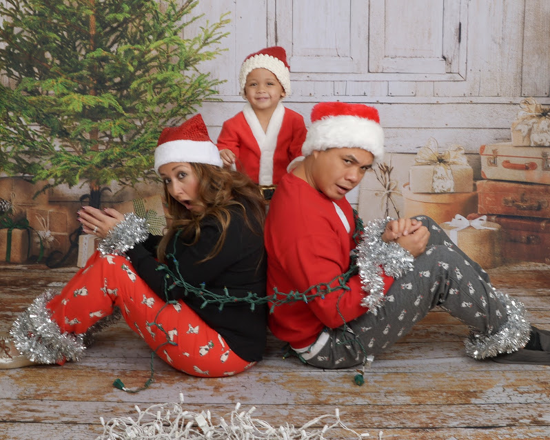 Plan Your Cool Christmas Photo Cards Now!