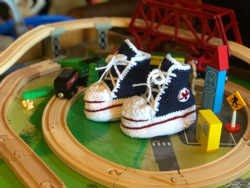 Crocheted Hightop Sneaker Booties -Newborn Size- Free Pattern