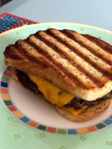 Quick and Delicious Cheeseburgers