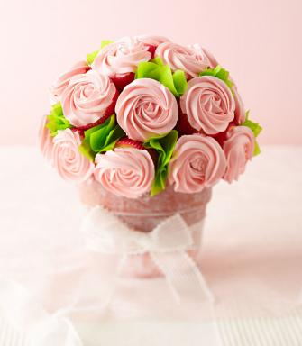 DIY Valentine's Edible Bouquet & Arrangements