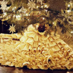 11 DIY Christmas Tree Skirts - FREE Patterns and Instructions