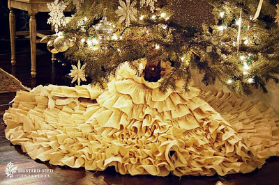 11 DIY Christmas Tree Skirts – FREE Patterns and Instructions