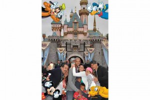 "Disneyland ""Extras"""