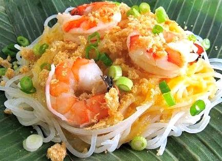 Pancit Palabok – Filipino Noodle Dish