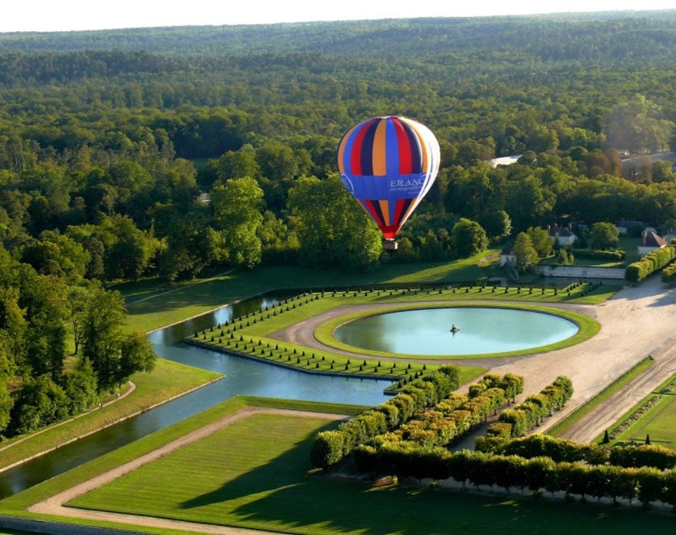 Ballooning Over Fontainbleau