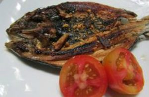 Daing na Bangus (Marinated Milkfish in Vinegar and Garlic) Recipe!