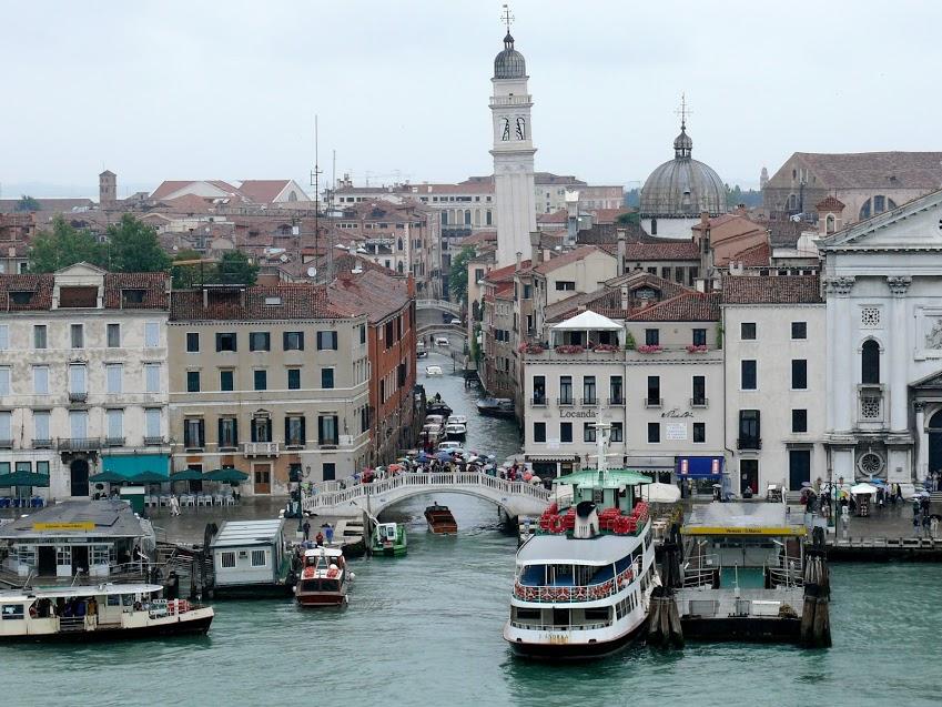 Exploring the Venetian Lagoon – Murano and Burano