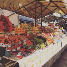 Market  Day In Italian Towns