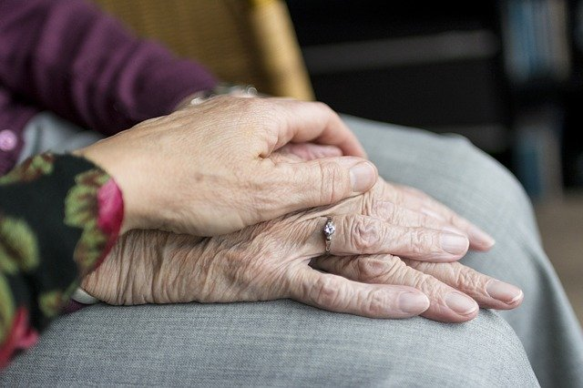 How To Help Elderly Relatives Maintain Their Independence