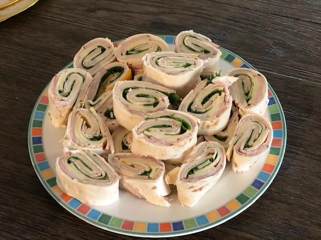 Turkey & Cheese Pinwheels – Easy Finger Food