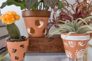 How to Make Pretty Painted Flower Pots