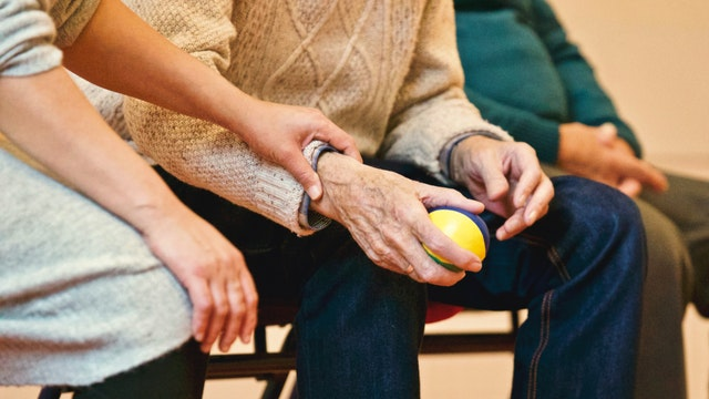 How to Give Your Elderly Family Member the Best Care Possible
